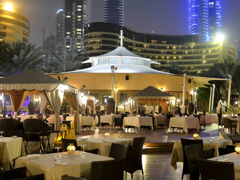 Le-Royal-Meridien-Beach-Dubai-restaurant.jpg