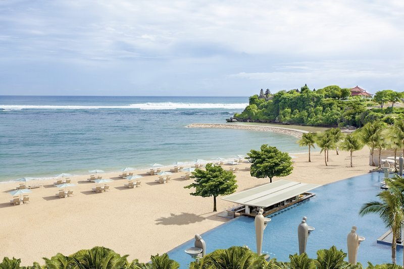The-Mulia-Bali-panorama-plaja.jpg
