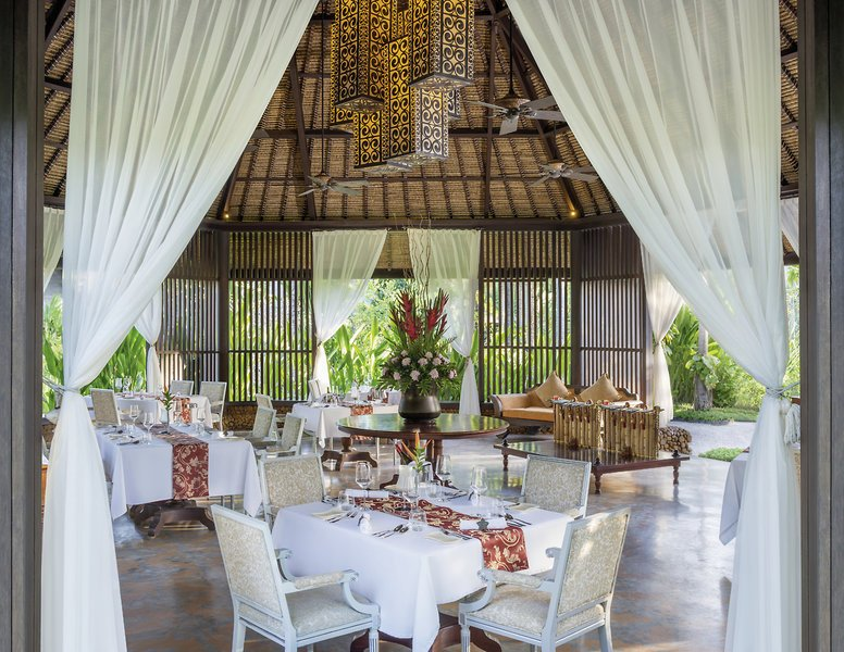 The-St.Regis-Bali-Resort-restaurant2.jpg